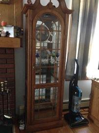 Curio Cabinet, Vacuum