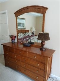 Thomasville Triple dresser with mirror
