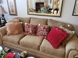 Simmons 3 cushion sofa