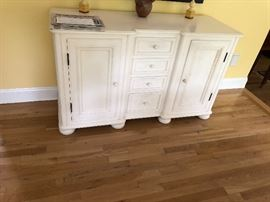 Lovely w/lots of storage console cabinet