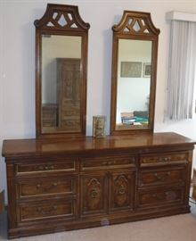 Triple dresser & mirrors