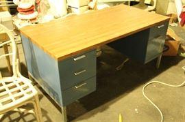Tanker desk $175