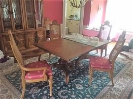 The Country French Dining Room with 2 Leaves -  Drexel Heritage Table w/ Set of 6 Chairs - 2 Arm + 4 Side