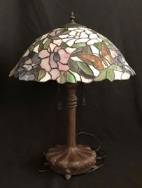 "24"" Tiffany Style Lamp by Quoizel Collectables"