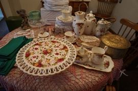 Johnson Bros. Country Rose Items, cake plate, service for 8 dish set