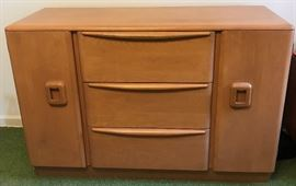 MCM Heywood Wakefield Encore Sideboard in Wheat  http://www.ctonlineauctions.com/detail.asp?id=728659