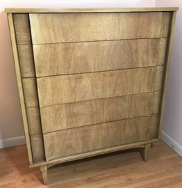 MCM Tall Blonde Mahogany Dresser    http://www.ctonlineauctions.com/detail.asp?id=728664