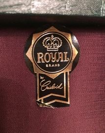 Vintage Royal by Crisloid    http://www.ctonlineauctions.com/detail.asp?id=729003