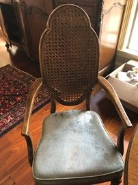 End chairs to dining table