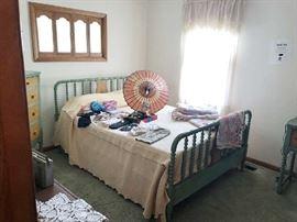 Jenny Lind Spindle bedroom set - rare
