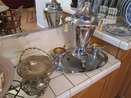 """""""Means Best"""" Vintage Coffee Percolator with Creamer, Sugar and Tray"""