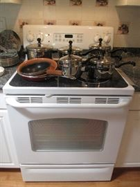"""GE"" Electric Range, White with Black Ceramic Top"