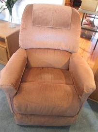 Pair of Matching La-Z-Boy Recliners, like new!