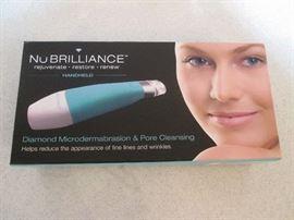 """NuBRILLIANCE Microdermabrasion & Pore Cleansing"", NIB"