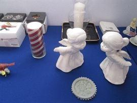 Kissing Angels Figurines