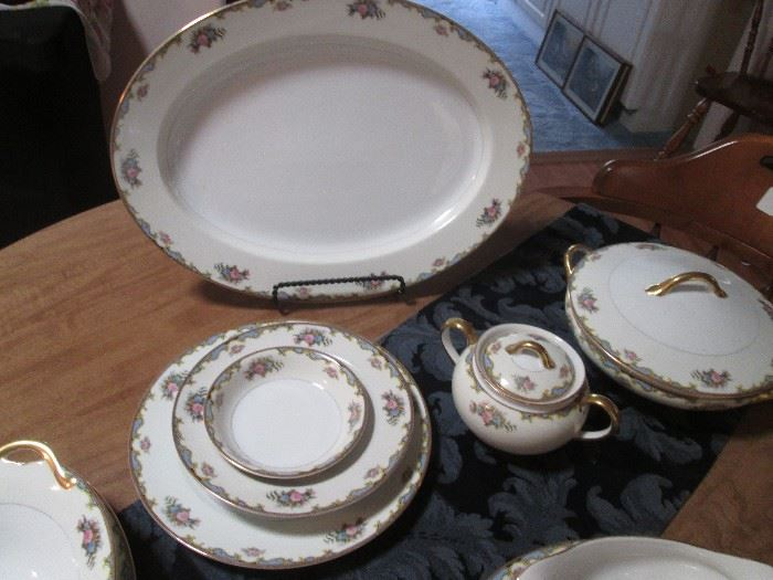 "Noritake Fine China, Pattern ""Vasona"", 78 piece set"