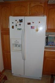 Kenmore Side by Side Refridgerator