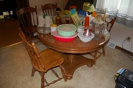 Ethan Allen Maple Dining Table and Chairs