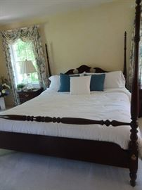 """Thomasville Mahogany Bedroom Set includes King Size 4 Poster Bed - 80""""w  X 88""""D X 71""""H"""