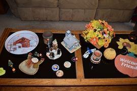Coffee table, seasonal decor