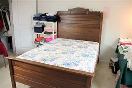 Eastlake Full Bed & Mattress Set