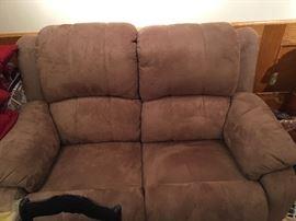 Nice reclining love seat.