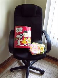Snoopy Garbage Can, Desk Chair