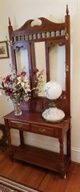 Nice oak hall tree with antique lamp