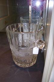 Heavy crystal ice bucket