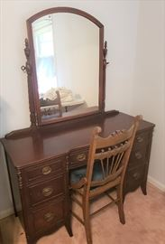 Beautiful Mahogany Vanity