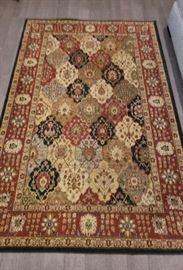 Gateway Collection 5 x 8 Floor Rug - Made in Turkey