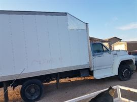 2000 Ford Box Truck- 14ft electric lift gate-Power Stroke Engine- Low miles- will need tires