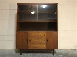 Stanley Distinctive Hutch from the Mix N Match line, 1960s, Excellent Condition