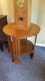 Round Stickley end table