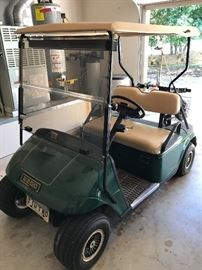 EZGO Golf Cart in Nice Condition