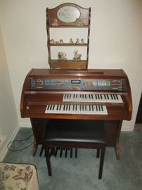 Brand new Lowry electric organ, Recency,  model SE/10, brand new, hardly ever been used, very nice