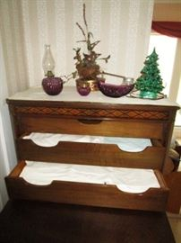Antique chest of drawers, vintage linens/bedding, pattern glass, Ceramic lighted Christmas tree