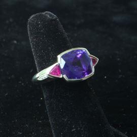 14 k white gold tanzanite ring