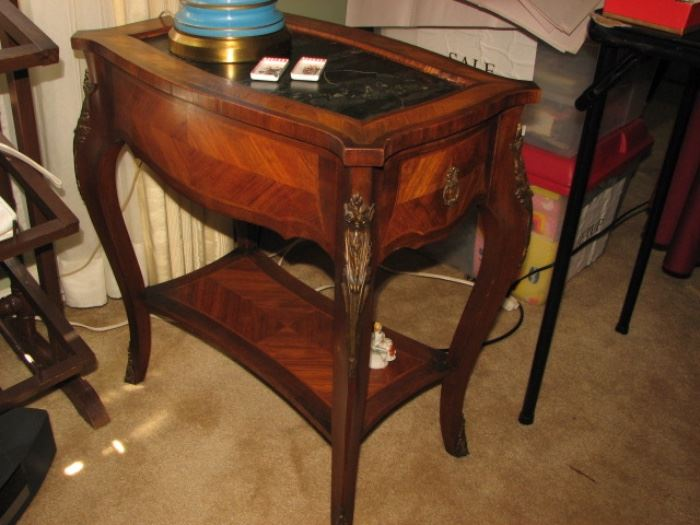 2 tier flam mahogany accent table