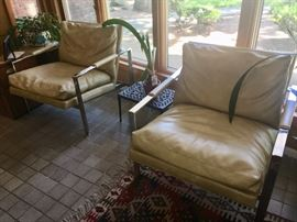 Pair Mid-Cen chrome & leather chairs