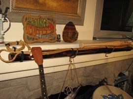 Toggle harpoon, Cubs signed baseball bat