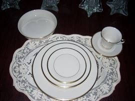 Lenox 6 Piece Place Setting for 10