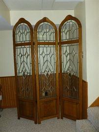 Tri-fold room divider w/leaded glass