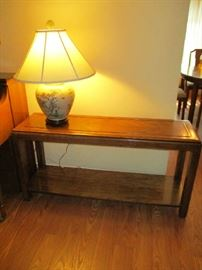 SOFA TABLE, LAMP