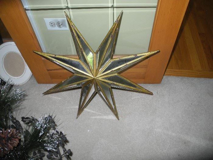 Mirrored star wall hanging