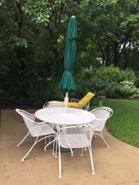Umbrella patio set