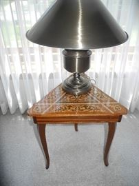 Inlaid triangle table and great looking lamp