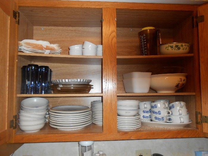 Pfaltzgraff dish set