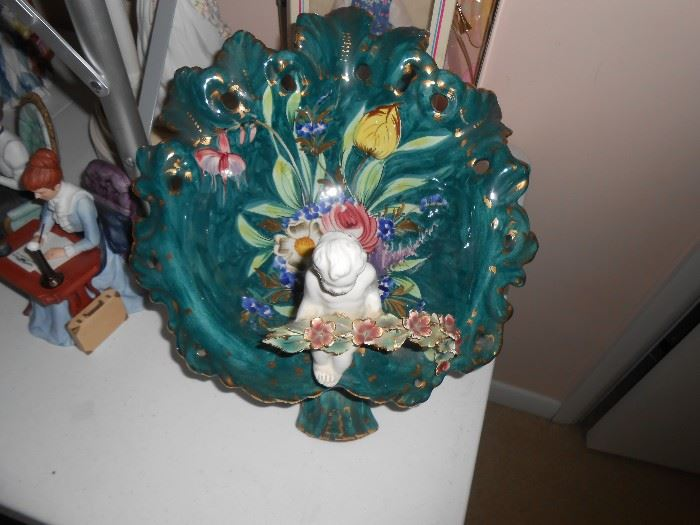 Italy figure in bowl