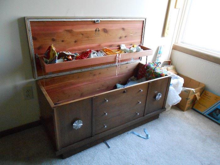 Very nice Lane cedar lined chest
